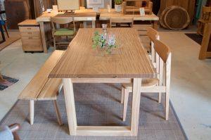 アサメラテーブル