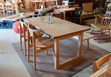 【 新着 】 オリジナルテーブルが出来ました