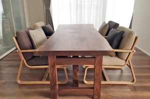 walnut_dining-table4