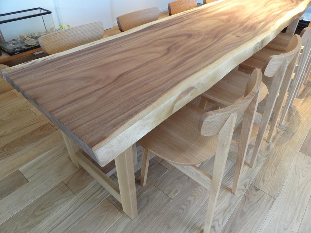 モンキーポッドテーブル
