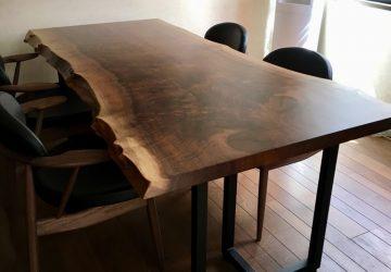 【納品情報】 クラロウォールナット一枚板テーブルセットをお届け!